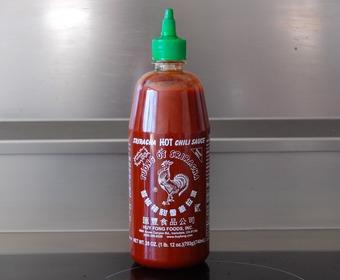 Sriracha med tuppen