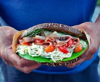 coleslaw i mackan smörgås
