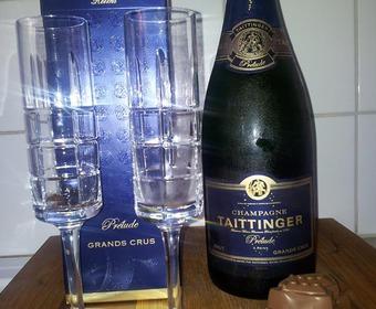 Vi inviger denna kväll med fina små bubblor!