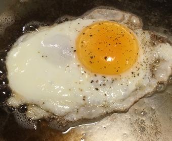 Steka stekt ägg PS